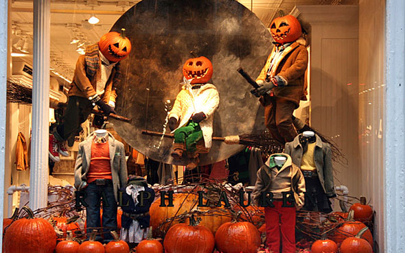 Decoration Halloween Magasin.50 Vitrines De Magasin Pour Halloween A S Inspirer
